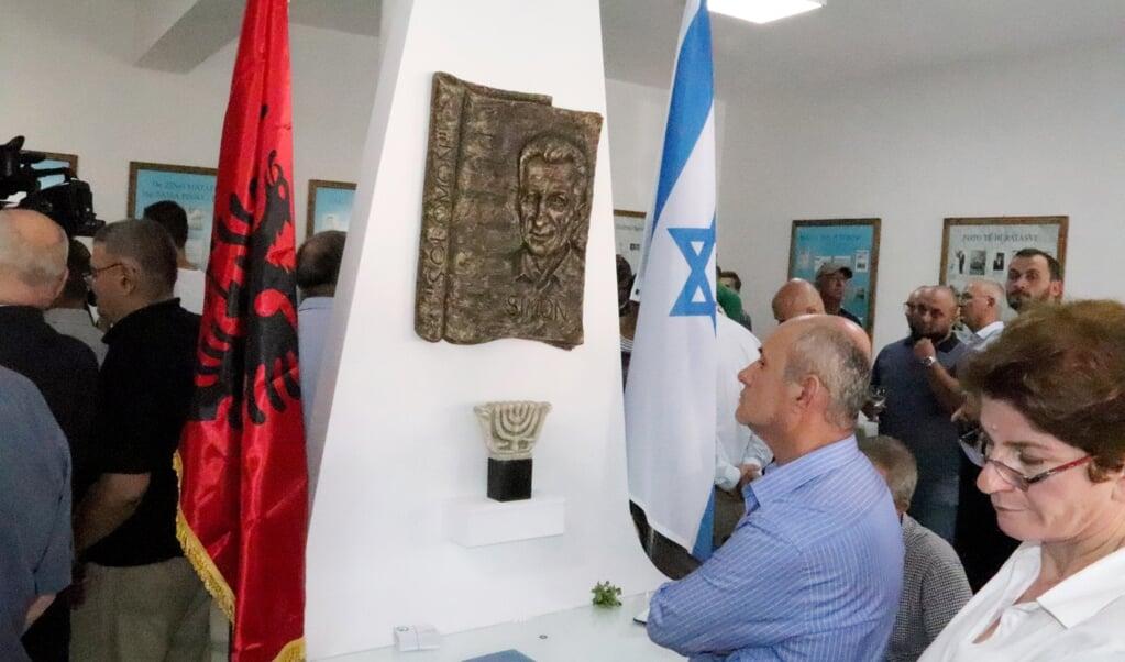 De bescherming van Joden in Albanië tijdens de Tweede Wereldoorlog gaat terug op de eeuwenlange traditie van gastvrijheid. Op de foto: bezoekers in het Solomon Joods Historisch Museum in de Albanese stad Berat.  (beeld afp)