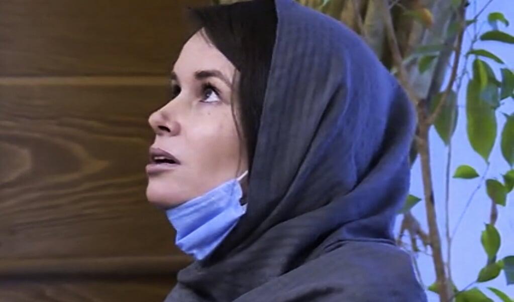 Kylie Moore-Gilbert op het Mehr-Abad vliegveld in Teheran, op 25 november, na haar vrijlating.  (beeld salampix)