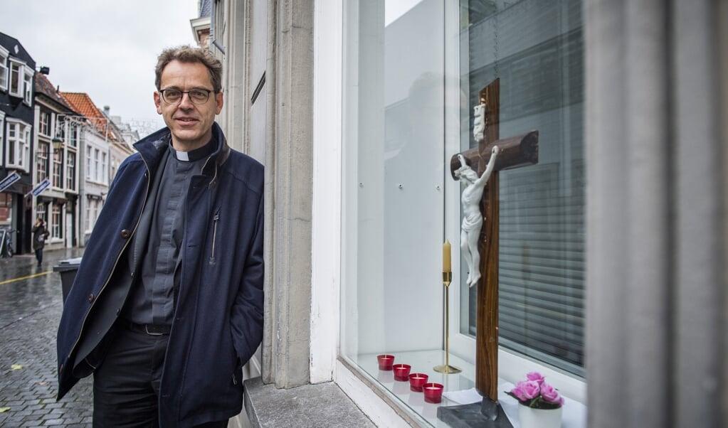 Priester Norbert Schnell heeft een proefschrift geschreven over de kerk  (beeld Jeroen van Eijndhoven / Beeld Werkt)