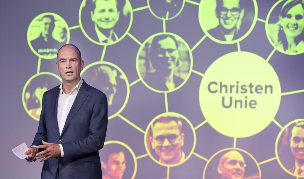 Gert-Jan Segers tijdens het partijcongres van de ChristenUnie. 'De waarde van onze idealen is groter dan het aantal van onze zetels.'  (beeld anp / Piroschka van de Wouw)