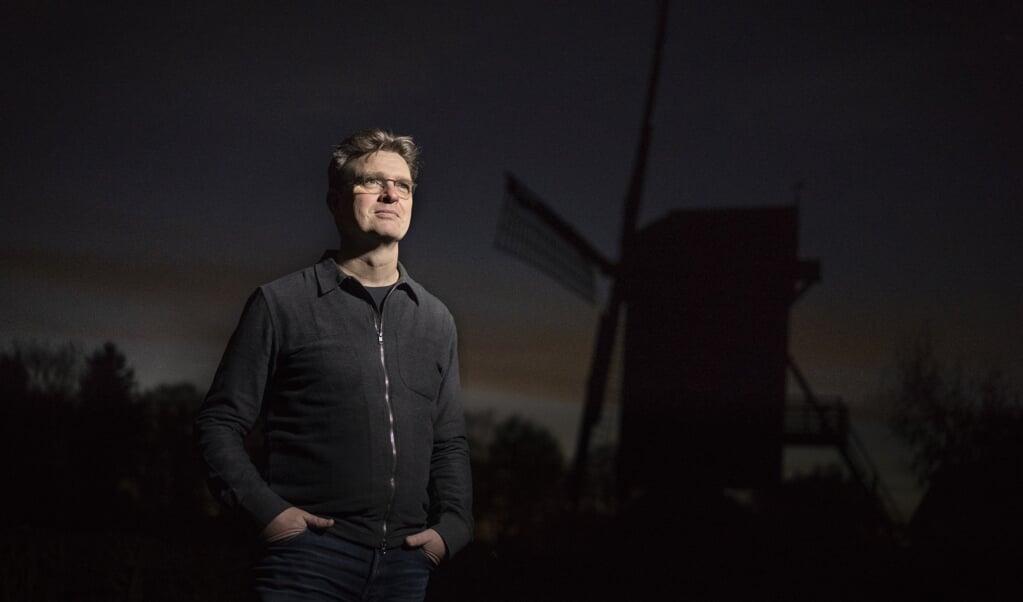 De huidige pandemie toont ook weer aan hoe belangrijk gezinnen zijn, zegt Wim H. Dekker. Dankzij ouders was thuisonderwijs mogelijk.   (beeld Niek Stam)