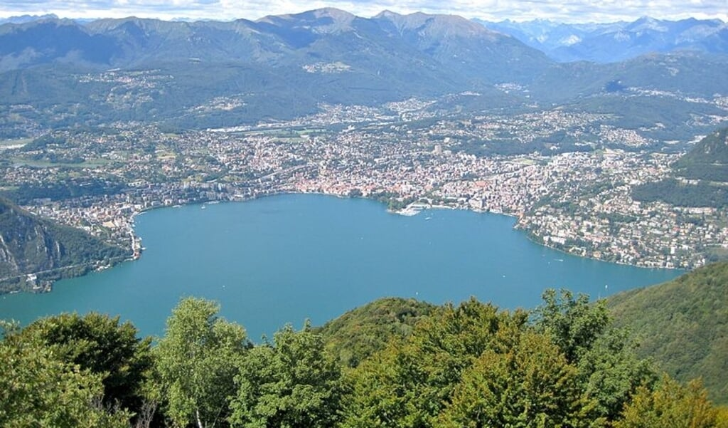 De Zwitserse stad Lugano.  (beeld Wikipedia)