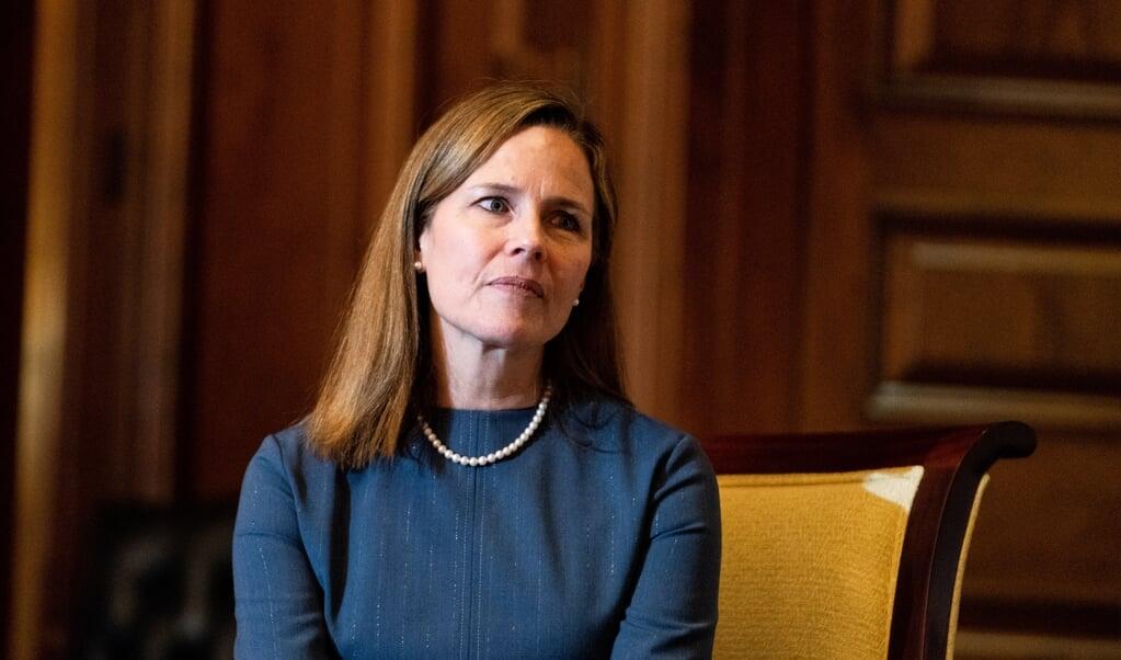 Amy Coney Barret is sinds oktober rechter in het Amerikaanse hooggerechtshof.  (beeld Epa/anna Moneymaker / Pool)