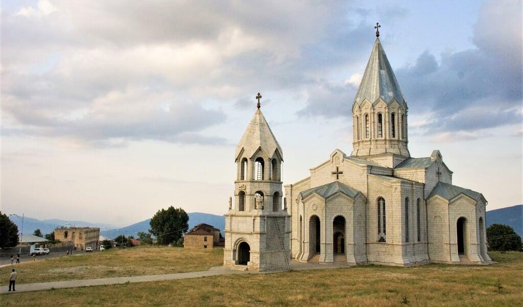 De kathedraal in Sjoesja in oude glorie  (beeld wikimedia)