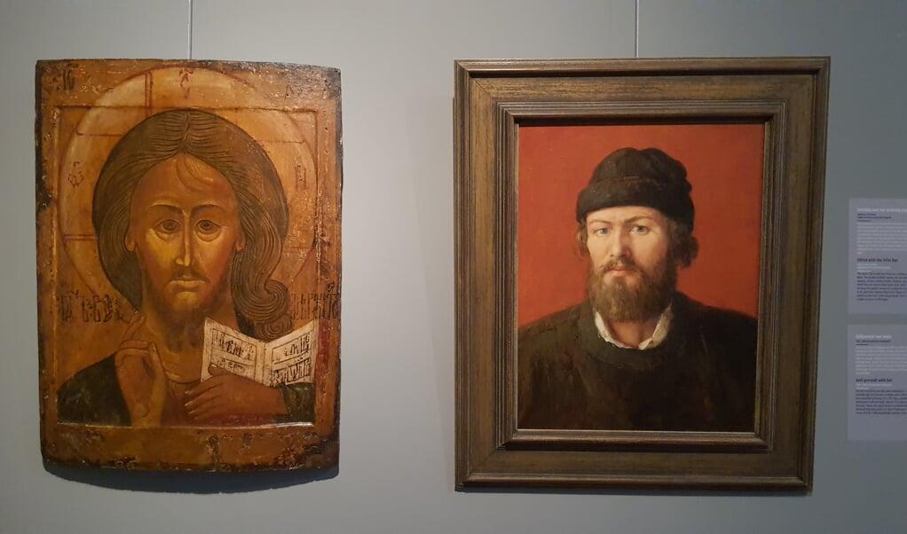 De icoon van 'Christus met het grimmige oog' hangt naast het portret van de jonge Henk Helmantel.  (beeld nd)