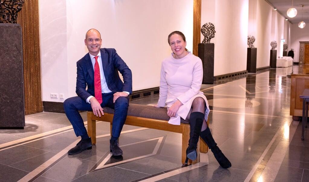 Gert-Jan Segers (l, fractievoorzitter CU in de Tweede Kamer) en Carola Schouten (r, minister van LNV) in het ministerie van LNV. Segers en Schouten staan op de eerste en tweede plaats van de kandidatenlijst van de ChristenUnie bij de Tweede Kamerverkiezingen in maart 2021.  (beeld Dirk Hol)