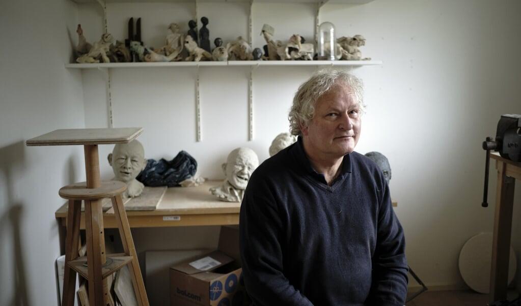 Oudemirdum, 24 november 2020. Stephan de Jong, predikant, verhalenverteller en beeldend kunstenaar.  (beeld Dick Vos)