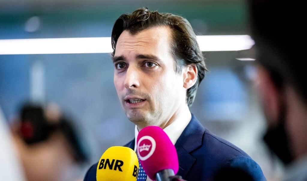 Thierry Baudet staat de pers te woord na afloop van het wekelijks vragenuur in de Tweede Kamer.    (beeld anp / Sem van der Wal)