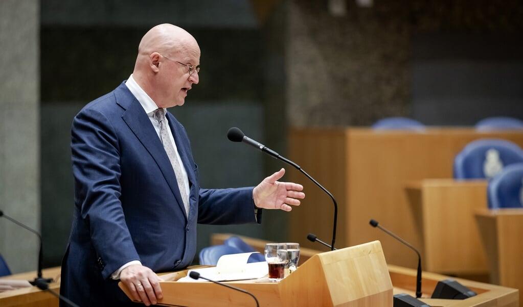Ferdinand Grapperhaus (CDA) minister van Justitie en Veiligheid tijdens vragenuur   (beeld anp / Robin van Lonkhuijsen)