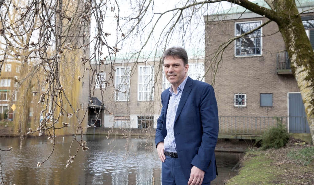 René van Loon: 'Veel mensen verlaten de kerk, tegelijk is er een ontwikkeling tegen de stroom in, van nieuwe gemeenten en mensen die tot geloof komen.'  (beeld Anton Dommerholt)