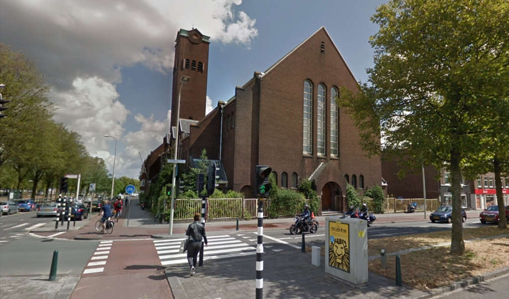 De hongerende gemeenteleden van de gereformeerde Valkenboskerk in Den Haag ontvingen in 1945 hulp van geloofsgenoten uit Friesland.  (beeld google maps)