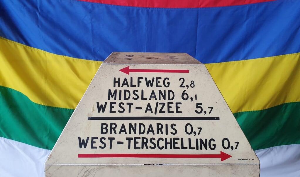 De ANWB-paddestoelen van Terschelling worden verkocht via Marktplaats.  (beeld vvv Terschelling)