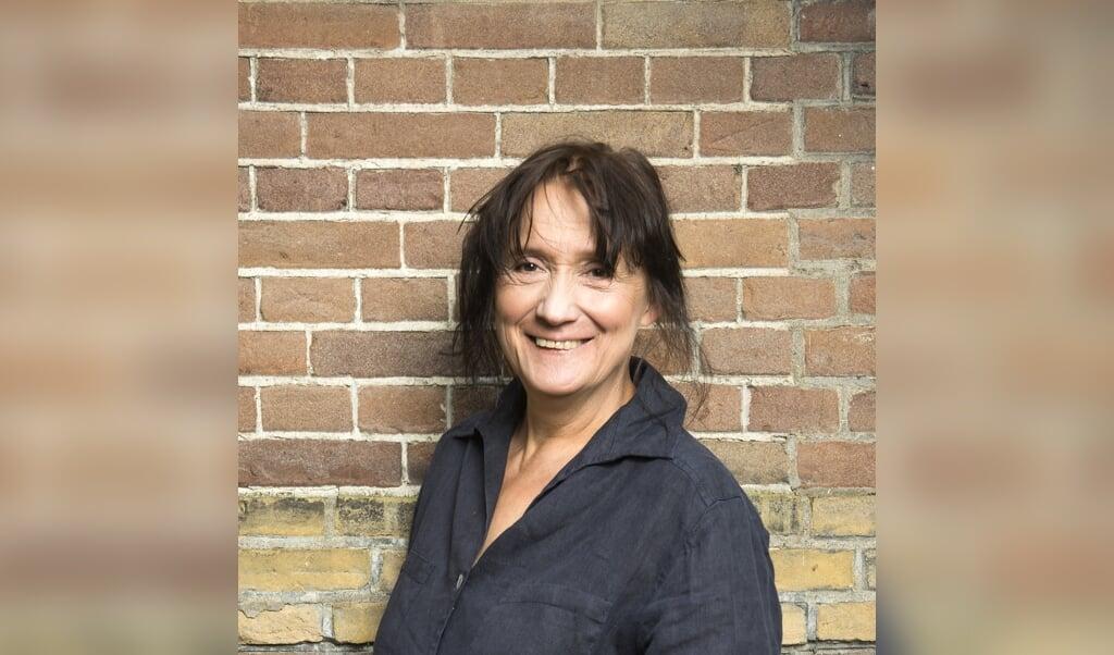 Charlotte Dematons: 'Paul Biegel schuwt de nare dingen niet. Maar dankzij de humor wordt het toch niet heel zwaar.'  (beeld Chris van Houts)