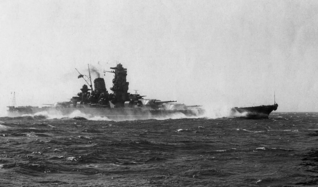 Het Japanse slagschip Yamato in 1941, een van de twee grootste slagschepen die ooit hebben bestaan.  (beeld wikipedia)