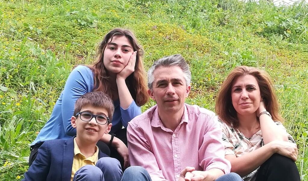Het gezin Van Saane, woonachtig vlak buiten Beiroet.  (beeld )