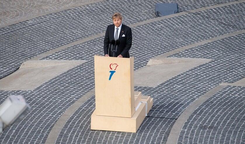 Koning Willem-Alexander tijdens zijn toespraak op de Dam.  (beeld anp / Mischa Schoemaker)