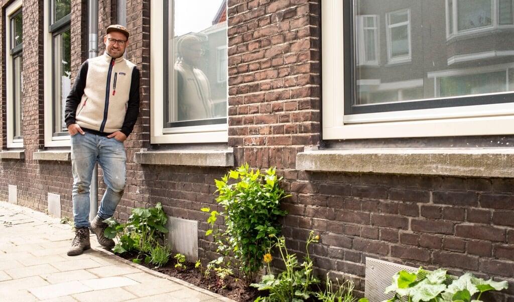 Raymond Landegent wil voor 30 september duizend geveltuinen erbij in Rotterdam.   (beeld 1000 Geveltuinen)