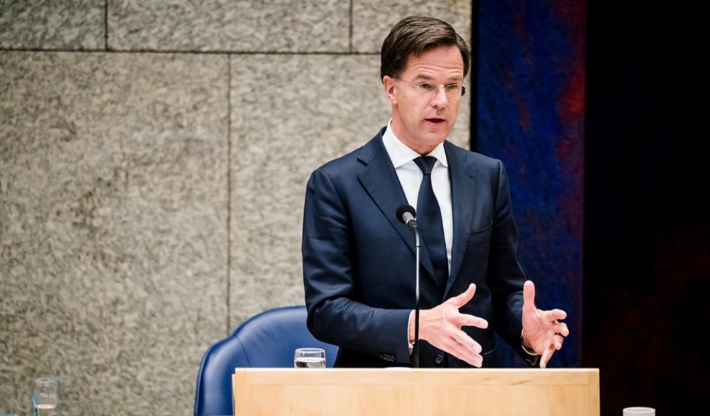 Premier Mark Rutte tijdens het Kamerdebat over de bestrijding van het coronavirus.  (beeld anp / Bart Maat)
