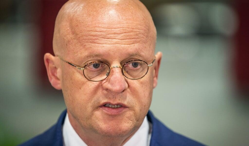 Minister Ferd Grapperhaus overlegt geregeld met de kerken.  (beeld anp / Jeroen Jumelet)