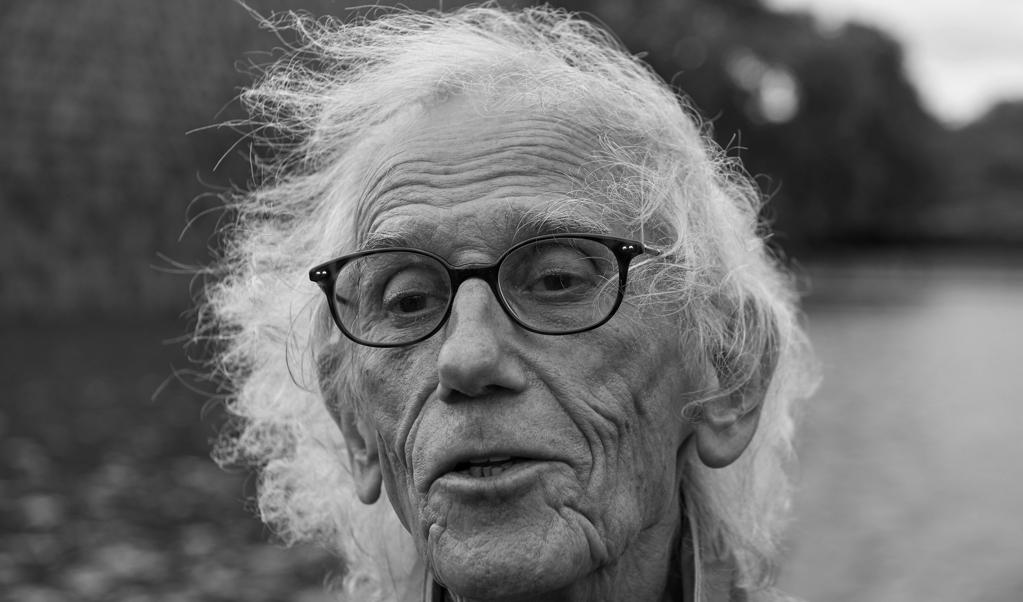 De Bulgaarse kunstenaar Christo Vladimirov Javacheff, beter bekend als 'inpakkunstenaar' Christo.  (beeld afp / Niklas Hallen)