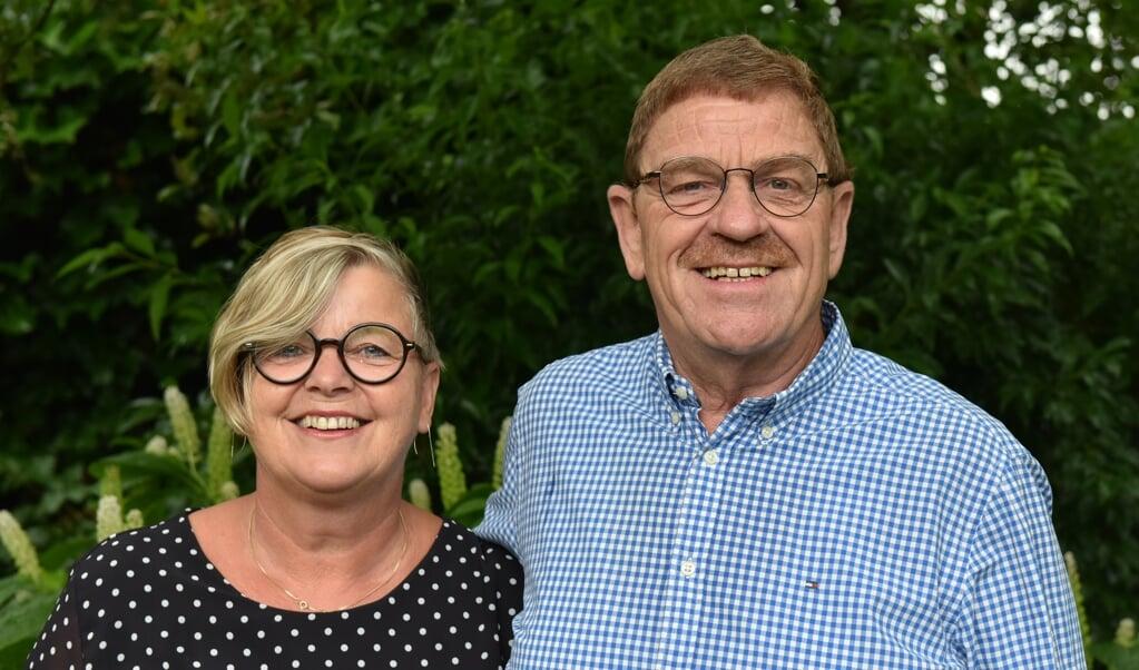 """Janny en Jan Huizenga: 'In Psalm 25 staat """"HEER, ai, maak mij Uwe wegen door Uw woord en Geest bekend"""". Die zinnen zijn zó binnengekomen.'  (beeld Philip Roorda)"""