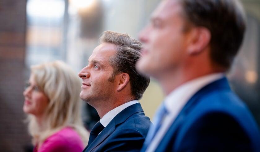 2020-07-11 17:05:12 DEN HAAG - Staatssecretaris Mona Keijzer van Economische Zaken en Klimaat (CDA), Minister Hugo de Jonge van Volksgezondheid, Welzijn en Sport (CDA) en Pieter Omtzigt (CDA) tijdens de bekendmaking van de eerste stemmingsronde voor de lijsttrekkersverkiezing van het CDA. De stemmingsronde eerder deze week moest worden over gedaan in wegens fraudegevaar. ANP BART MAAT  (beeld anp / Bart Maat)