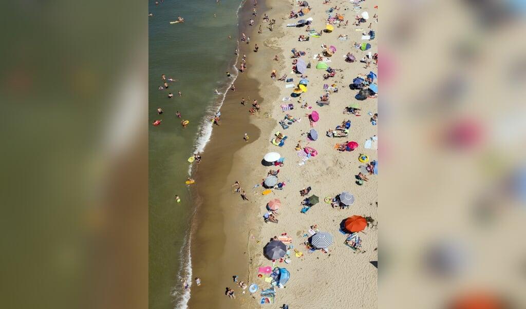 <p>Veel mensen gingen dit jaar naar Zeeland op vakantie.</p>  (beeld anp / Sem van der Wal)