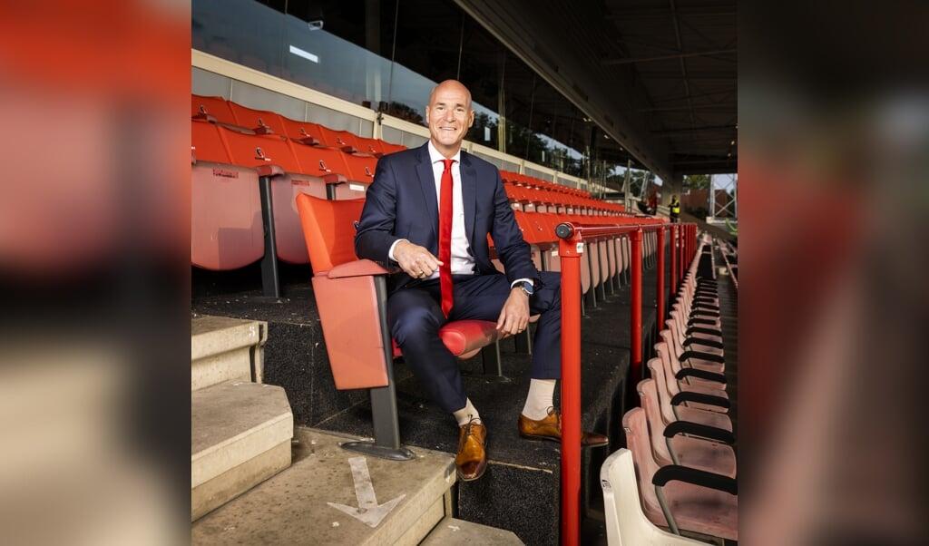 Directeur Philippe van Esch van Helmond Sport.  (beeld Jiri Büller)