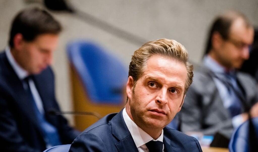 <p>Minister Hugo de Jonge van Volksgezondheid, Welzijn en Sport (CDA) tijdens de eerste dag van de Algemene Politieke Beschouwingen.</p>  (beeld anp / Bart Maat)