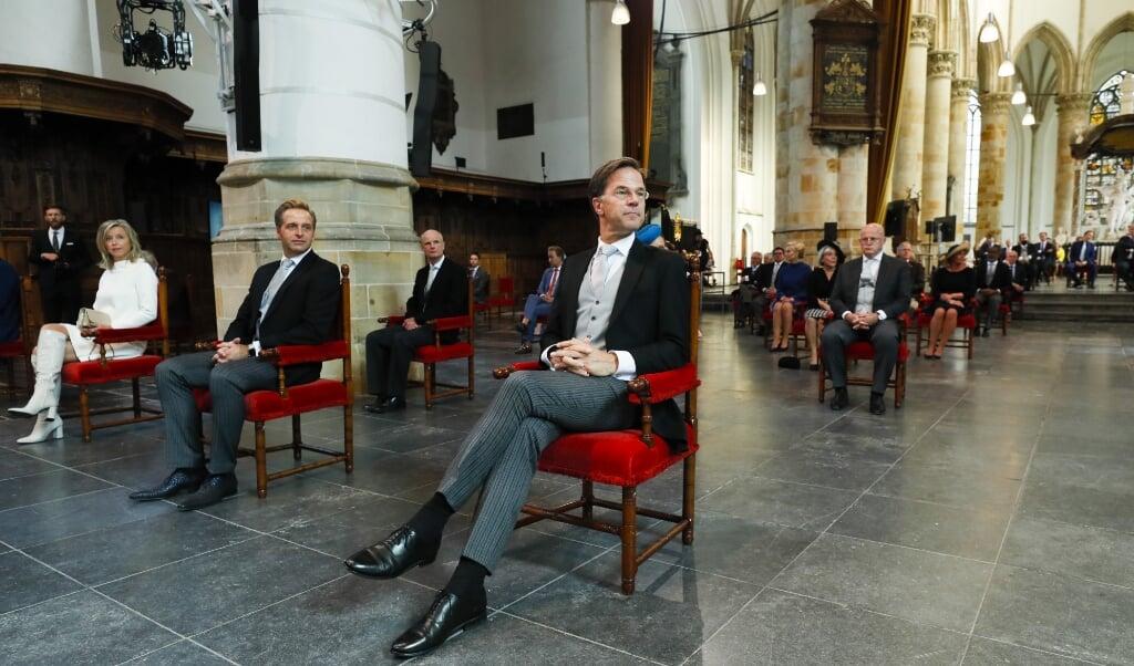 Premier Rutte wacht in de Grote Kerk op de vergadering van de Staten-Generaal op Prinsjesdag.   (beeld anp / Remko de Waal)