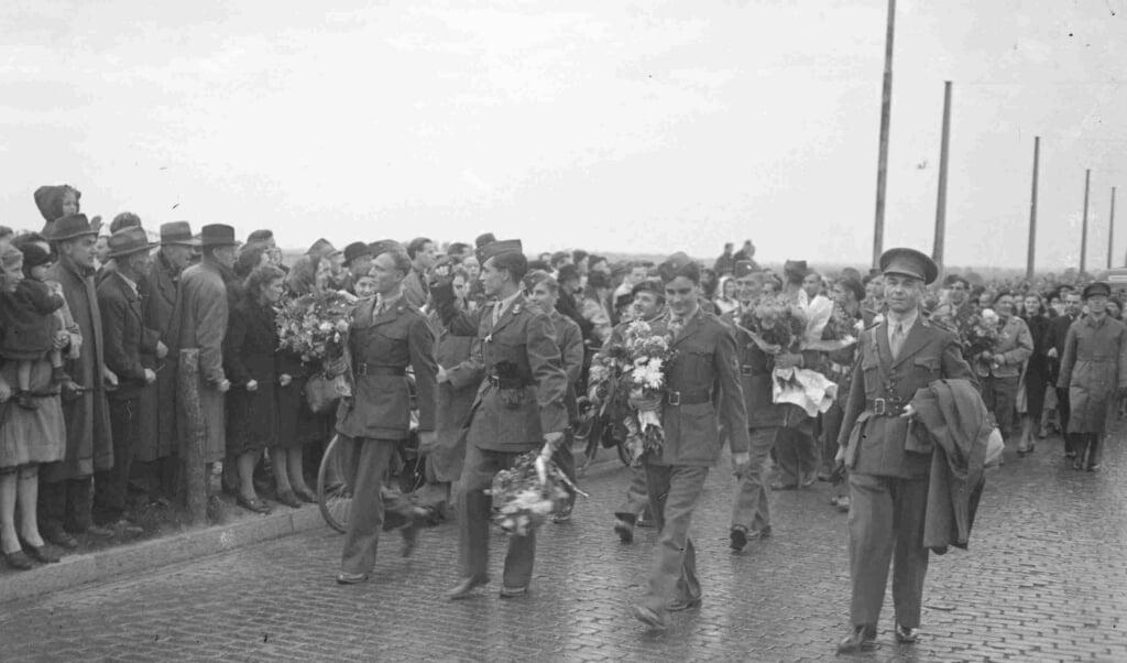 <p>Nederlandse militairen keren terug uit Nederlands-Indië, oktober 1947.</p>  (beeld regionaal archief Nijmegen)