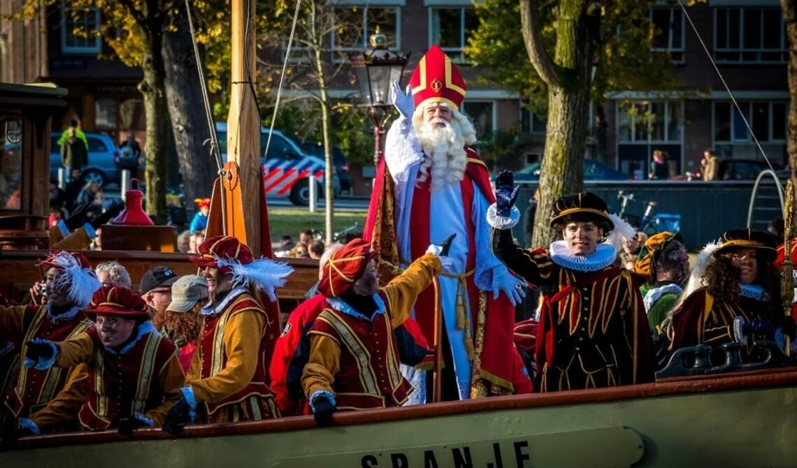 Sinterklaasintocht In Amsterdam Afgelast Wel Tv Verslag Nederlands Dagblad