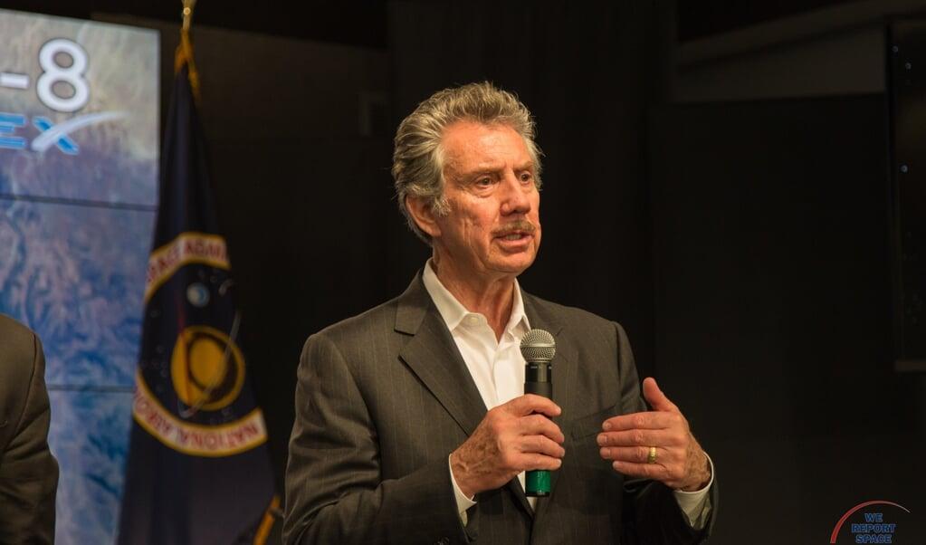 Miljardair Robert Bigelow, hier bij een presentatie van NASA in 2016, belooft veel geld aan wie de onsterfelijkheid van de ziel kan bewijzen.  (beeld wikicommons / Michael Seeley)
