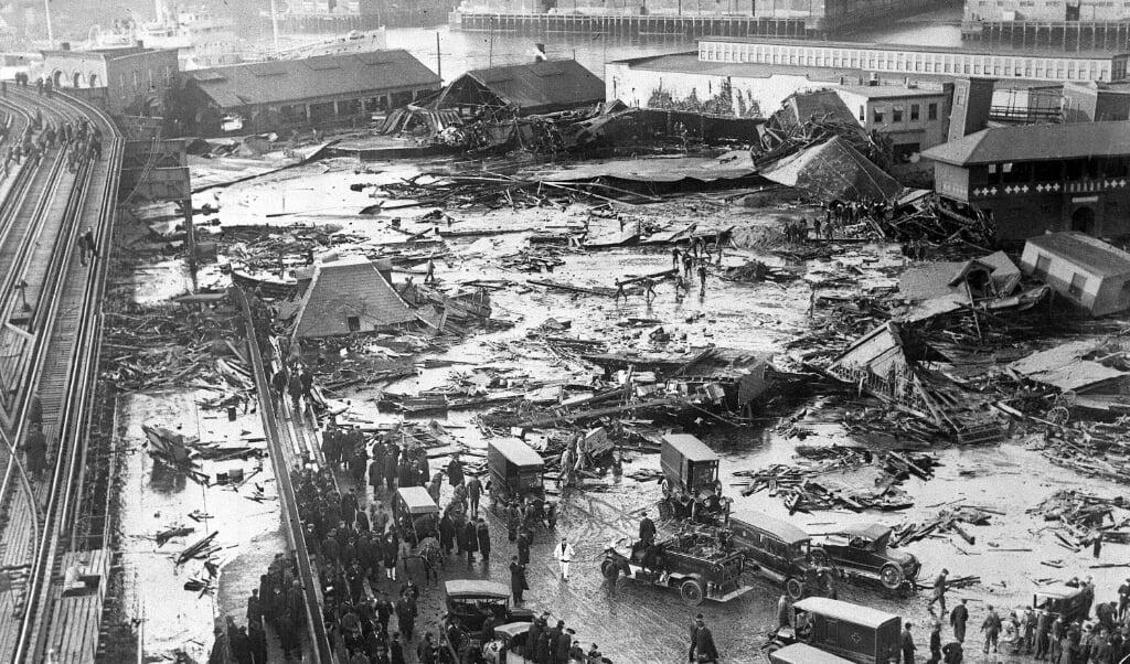 De ravage na de Stroopvloed in Boston is enorm.  (beeld Boston public library)