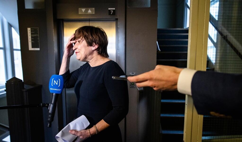 Lilianne Ploumen (PvdA) reageert in de Tweede Kamer op het vertrek van Lodewijk Asscher als lijsttrekker van de PvdA.   (beeld anp / Sem van der Wal)