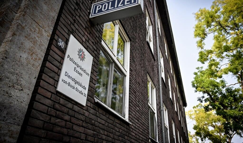 Politiebureau in Essen.  (beeld Epa / Sascha Steinbach)