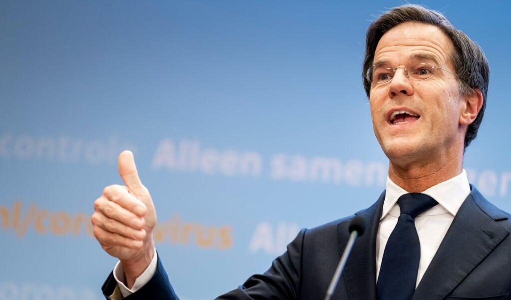 Premier Mark Rutte geeft tijdens een persconferentie een toelichting op de coronamaatregelen in Nederland.  (beeld anp / Bart Maat)
