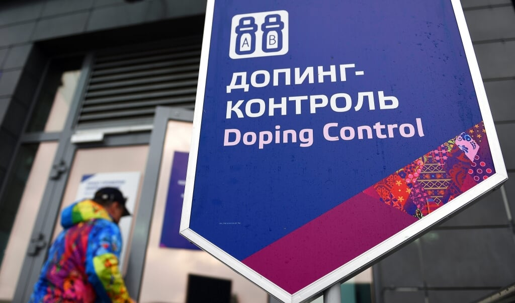 Dopingcontrole voor de biatlon-sporters in Krasnaya Polyana, tijdens de Olympische Winterspelen in Sotsji, Rusland.  (beeld epa / Hendrik Schmidt)