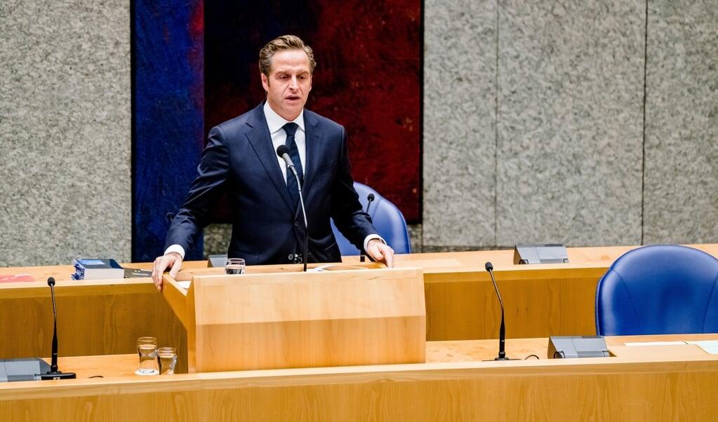 Minister Hugo de Jonge van Volksgezondheid, Welzijn en Sport (CDA) afgelopen dinsdag tijdens het vragenuur in de Tweede Kamer.  (beeld anp / Bart Maat)