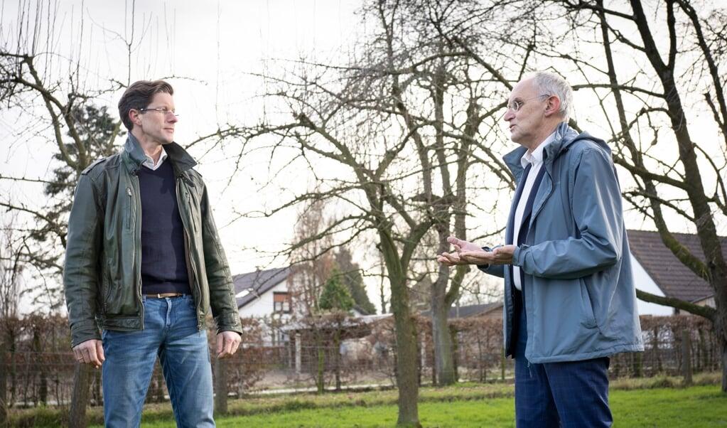 Ethici Stef Groenewoud en Theo Boer willen meer onderzoek naar het aanbod van zorg bij het zelfgekozen levenseinde.  (beeld Niek Stam)