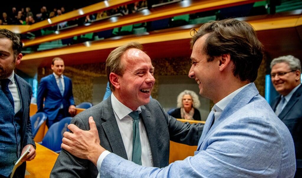 Kees van der Staaij (SGP) met FVD-leider Thierry Baudet op de dag na Provinciale Statenverkiezingen in 2019.  (beeld anp / Robin Utrecht)