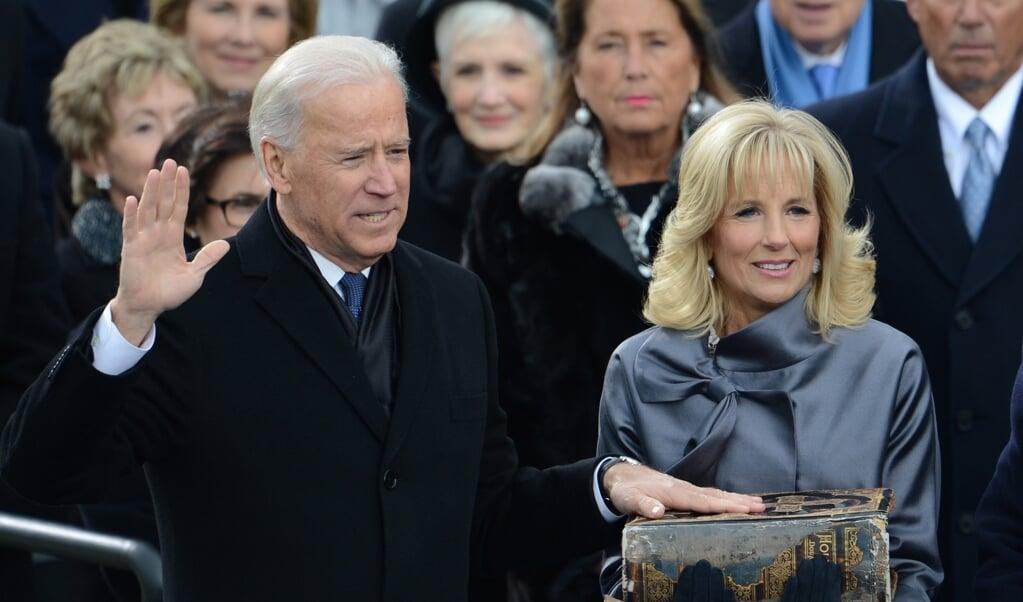 Joe Biden legt de ambtseed af op 21 januari 2013.  (beeld afp / Stan Honda)
