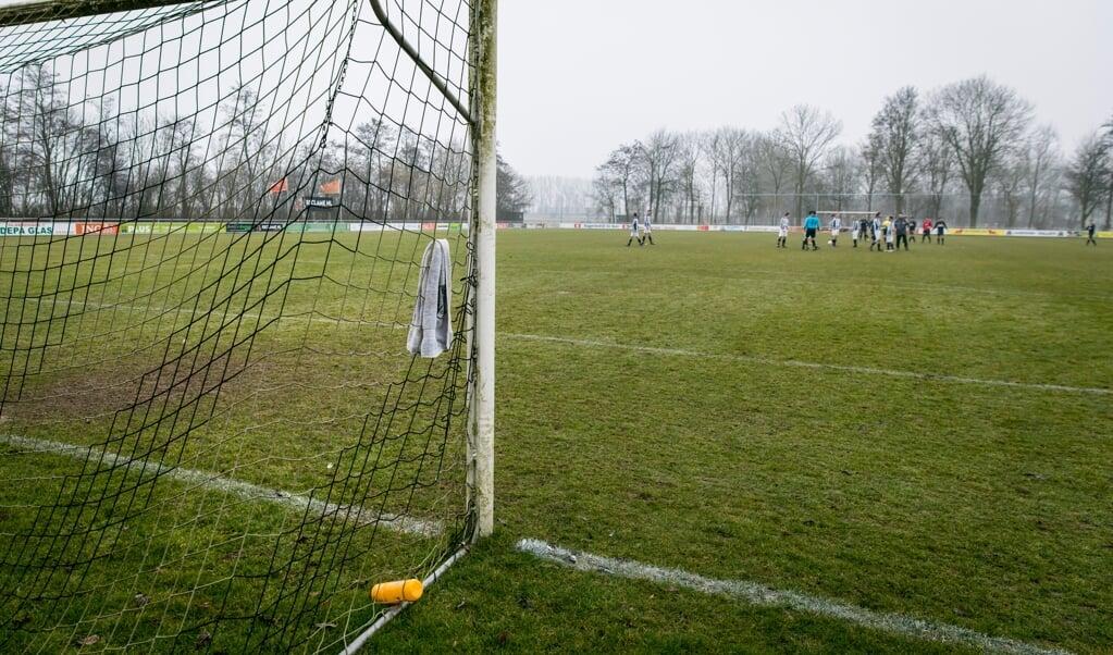 Geluk bij een ongeluk voor veel amateurverenigingen is de clubtrouw van de leden.  (beeld anp / Bart Maat)