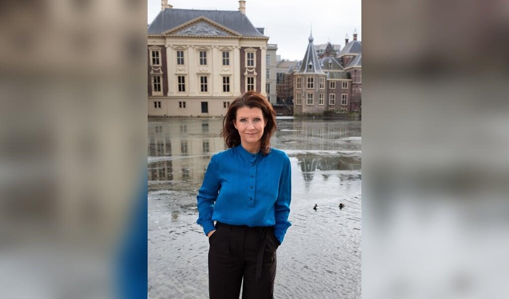 Esther Ouwehand: 'Nederland is het meest vee-dichte land ter wereld. Nergens ter wereld zitten meer dieren op een kluitje dan hier.'  (beeld Dirk Hol)