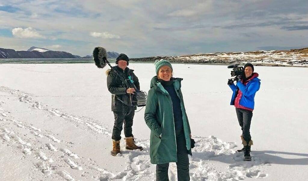 Annemie Struyf met de crew van Het Hoge Noorden.  (beeld één)