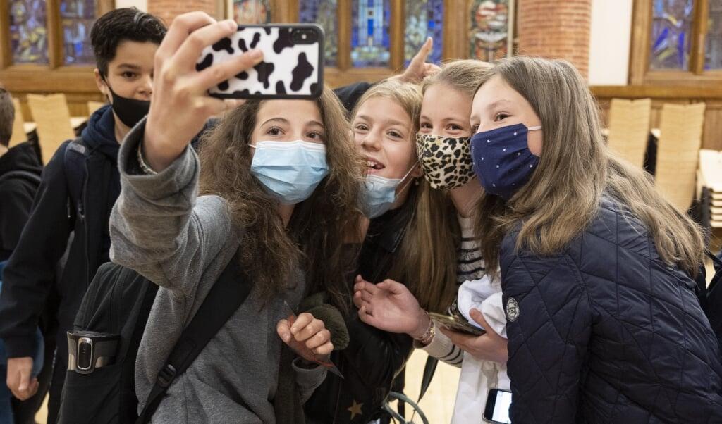 Amsterdamse leerlingen ontmoeten op school vooral kinderen met een vergelijkbare achtergrond.  (beeld anp / Evert Elzinga)