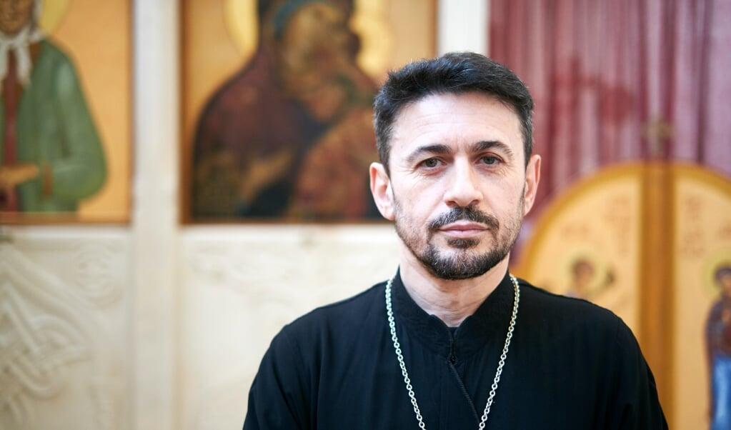 Joan Lena, Russisch-orthodoxe priester.  (beeld Dick Vos)