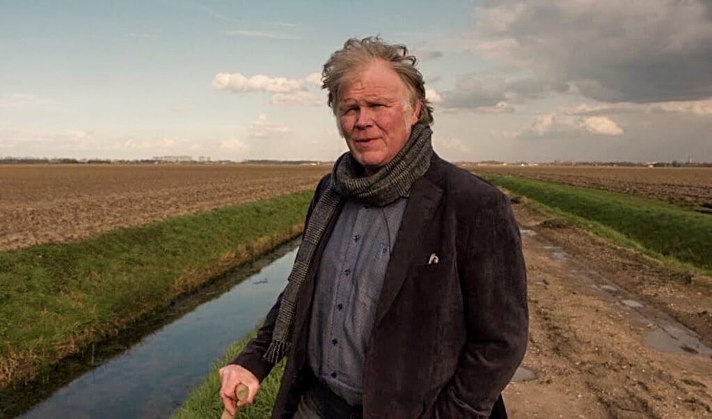 Akkerbouwer Piet Hermus uit Zevenbergschen Hoek in Noord-Brabant.  (beeld youtube)