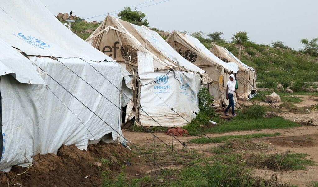 Beeld van het vluchtelingenkamp Hitsats uit september 2015.  (beeld afp Photo / Vincent Defait   Vincent Defait / afp)