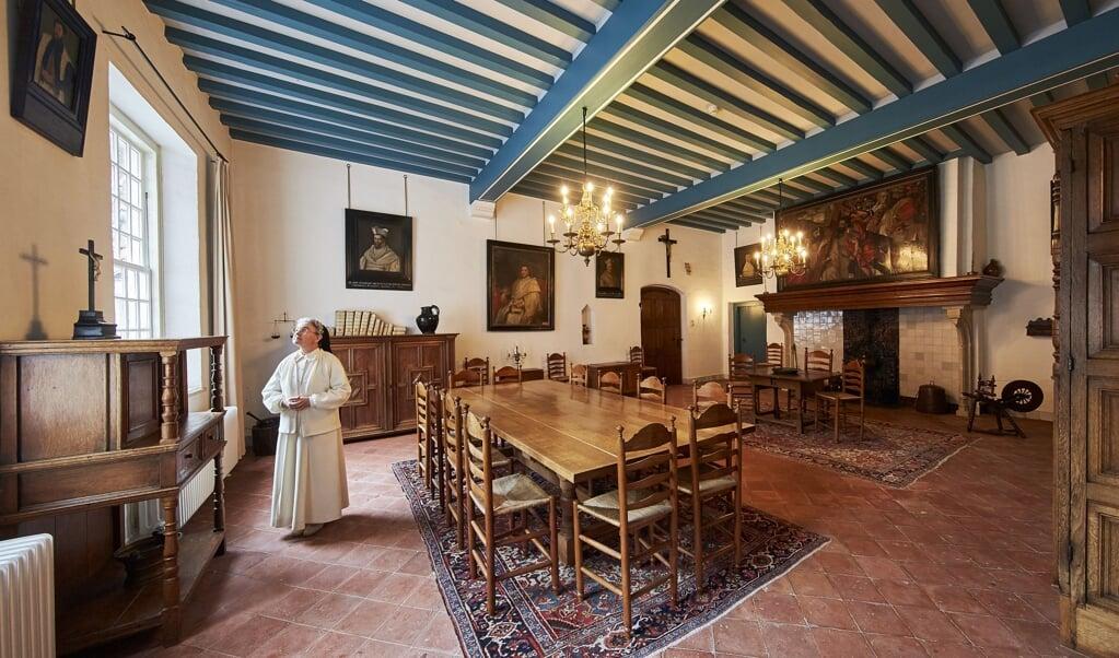 Priorin Maria Magdalena van Bussel in 'haar' klooster in Oosterhout. De Norbertinessengemeenschap Sint-Catharinadal bestaat 750 jaar.  (beeld Wim Hollemans)